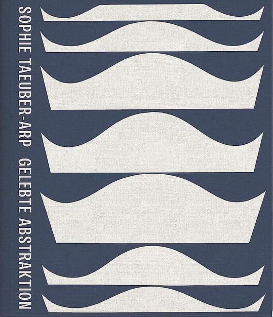 Internationale Autoren beleuchten im Katalog zur Ausstellung das Werk Sophie Taeuber-Arps in seinen unterschiedlichen Facetten. Mit Beiträgen von L. Dickerman, B. Fer, M. Franko, M. Gough, M. Hoch, J. Kinchin, W. Krupp, E. Reifert, N. Sidlina, T. Smith, A. Sudhalter, J. Teuscher, A. Umland, M. White.352 Seiten, 405 Abbildungen in Farbe