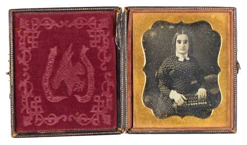 Unknown, Blind woman with braille writing machine, daguerreotype© as a collection by Jacques Herzog und Pierre de Meuron Kabinett, Basel.